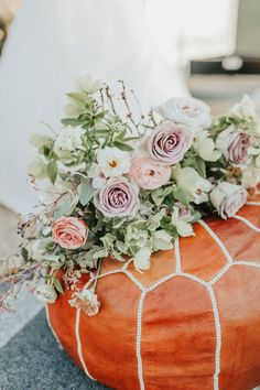 Organic and wild florals. Photo: @mackenziealexaphotography Floral Centerpieces, Flower Arrangements, Laid Back Wedding, Eclectic Wedding, Groom Looks, Natural Glow, Name Cards, Floral Wall, Florals