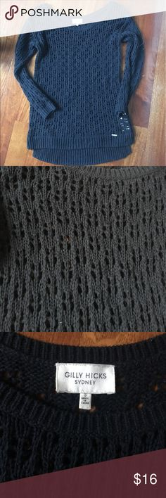 Gilly Hicks/A&F Cable Knit Loose Sweater Navy Knit loose sweater from Gilly Hicks. In EUC Abercrombie & Fitch Sweaters Crew & Scoop Necks