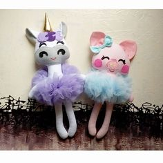 Bye pretty girls have a lot of fun in Hawaii! Shop is on vacation until May Felt Dolls, Plush Dolls, Doll Toys, Baby Dolls, Sewing Toys, Baby Sewing, Pig Baby Shower, Dolls And Daydreams, Sewing Projects
