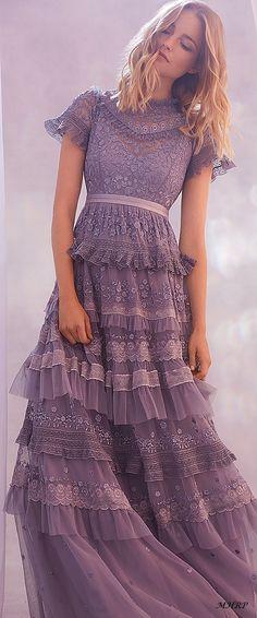 34 new ideas dress pretty lace sleeves Boho Dress, Dress Skirt, Dress Up, Pretty Dresses, Beautiful Dresses, Boho Beautiful, Boho Fashion, Fashion Dresses, Couture Dresses