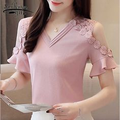 Casual Tops For Women, Blouses For Women, Sleeves Designs For Dresses, Dresses With Sleeves, Stylish Dresses, Fashion Dresses, Best T Shirt Designs, Chiffon Shirt, The Dress