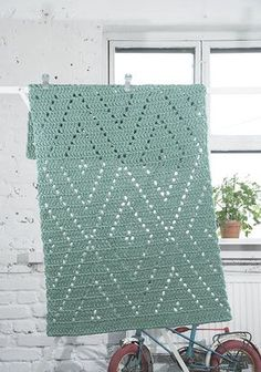 Ideas Knitting Patterns For Women Shawl Yarns Crochet Motifs, Filet Crochet, Crochet Blanket Patterns, Crochet Stitches, Knitting Patterns, Crochet Carpet, Crochet Table Runner, Crochet Home Decor, Modern Crochet