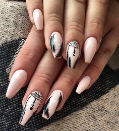 #nails #nailart #dreamcatcher Nude Nails, Acrylic Nails, Art Addiction, Nailart, Amazing Gardens, Nail Art Designs, Dream Catcher, Beauty Hacks, How To Look Better