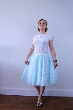 Mint tulle circle skirt, white polka dot skirt, summer skirt, evening skirt, bridesmaid outfit, knee length skirt, wedding skirt, prom skirt by ElzahDesign on Etsy https://www.etsy.com/uk/listing/508972950/mint-tulle-circle-skirt-white-polka-dot