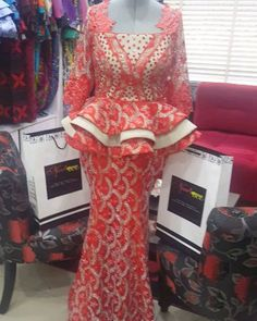 won't you rather get noviannated? African Lace Styles, Ankara Styles For Women, African Lace Dresses, African Style, Elegant Dresses For Women, Long Skirts For Women, African Attire, African Wear, Lace Skirt And Blouse
