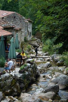 Bulnes. Asturias Places To Travel, Places To See, Beautiful Places In Spain, Travel Around The World, Around The Worlds, Asturias Spain, Spain And Portugal, California Travel, Spain Travel