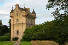 Alle Größen | Udny Castle | Flickr - Fotosharing! Higher Ground, Scottish Castles, 15th Century, Tower Bridge, Aberdeenshire Scotland, Cityscapes, Architecture, Towers, Building