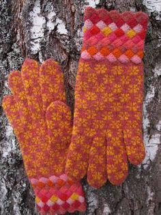 Love the entrelac cuff! Etsy: Estonian Gloves with Entrelac Cuffs