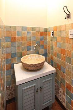 [BY 집데코 인테리어] 한옥 스타일의 모던한 전원주택 삶의 질을 높여주는 주택 인테리어 시리즈... Toilet, House, Vanity, Diy Crafts, Bathroom, Projects, Life, Simple House, Nice Houses