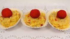 """www.isabelmoro.com. Seguimos aprovechando la fruta de temporada. """"Madroños con crema pastelera"""" en un momento y con tres ingredientes básicos. Cómo lo haces tú?? www.isabelmoro.com"""