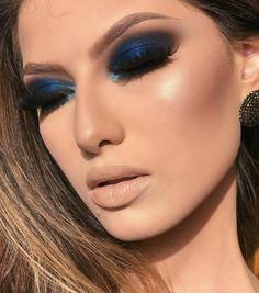 33 Erstaunlicher Smokey Eye Make-up-Trend 2019 – Maquillaje – … Makeup Trends, Makeup Inspo, Makeup Inspiration, Eye Makeup Steps, Blue Eye Makeup, Smokey Eye Makeup, Make Up Looks, Cute Makeup, Gorgeous Makeup