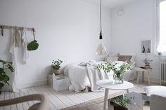 Scandinavian studio apartment in light neutral colors