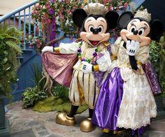 Mardi Gras Mickey & Minnie