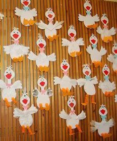 Ludas dekoráció, fali díszítés a csoportszobában vagy az öltöző helyiségében ill. ajándékként is elkészíthetjük a gyerekekkel. A sablon hoz...
