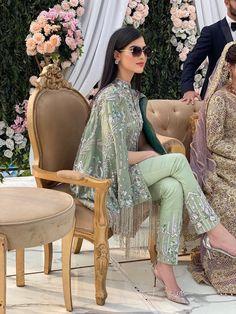 Asian Wedding Dress Pakistani, Pakistani Party Wear Dresses, Desi Wedding Dresses, Asian Bridal Dresses, Designer Party Wear Dresses, Pakistani Dress Design, Pakistani Outfits, Fancy Dress Design, Bridal Dress Design