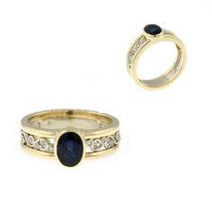 #sapphireanddiamondring #widebandring #14kyellowgoldring #ovalsapphire #twotonering #righthandring #customring #goldband