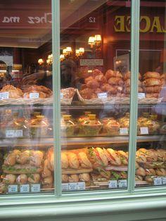 bakery's display-paris