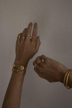Hand Jewelry, Cute Jewelry, Jewelry Rings, Silver Jewelry, Jewelry Accessories, Fashion Accessories, Fashion Jewelry, Jewelry Shop, Aesthetic Rings