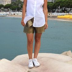 Want to wear a fashionable handmade gold shorts ? Create your own and sew it!  (DIY in French)