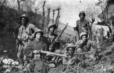 Boers with Mauser rifles bought from Germany: Battle of Magersfontein on December 1899 in the Boer War Royal Horse Artillery, Non Commissioned Officer, War Novels, Defence Force, War Photography, African History, British Army, Royal Navy, Warfare