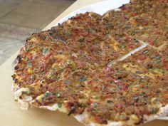 Λαχματζούν, Λιβανέζικη πίτα με κιμά