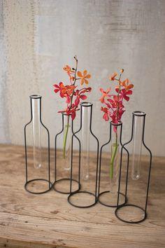 Urban Farmhouse Designs Five Wire Bottle Bud Vases - April 13 2019 at Easy Home Decor, Home Decor Bedroom, Cheap Home Decor, Bedroom Ideas, Warm Bedroom, Home Decor Accessories, Decorative Accessories, Urban Farmhouse Designs, Diy Casa