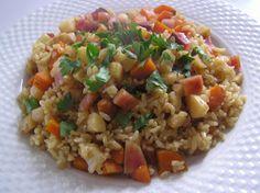 Zöldséges rizs Fried Rice, Ethnic Recipes, Food, Meal, Essen, Hoods, Nasi Goreng, Meals, Eten