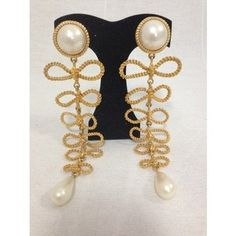 Chanel White and Gold Plate Vintage Massive Runway Gripoix Pearl Bows Ultra Rare Earrings Chanel Earrings, Bow Earrings, Pearl Necklace, Chanel Designer, Vintage Chanel, Designer Earrings, Bows, Pearls, Runway