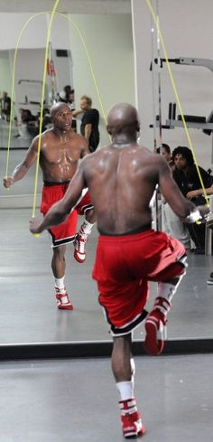 #JumpRope to Master the Art of Boxing Like #FloydMayweather. Also, check out effective boxing jump rope techniques to achieve success in the ring like, Floyd Mayweather.