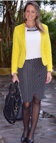 Look do dia - look de trabalho - workwear - work outfit - fall outfit - moda corporativa - branco e preto amarelo - black And white yellow - poá - polka dots - Blazer amarelo -  yellow jacket - scarpin