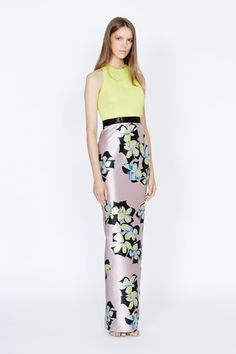 See the complete Badgley Mischka Resort 2016 collection.