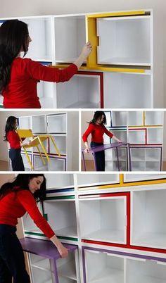 Bibliothèque et rangements pour chaises...c'est du génie.
