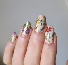 We love a good floral arrangement. #nailart #nailinspo