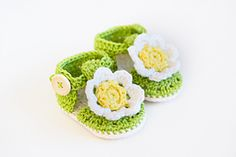 Ravelry: DAISY BOOTIES - Crochet Baby Booties Sandals pattern by Croby Patterns