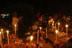 Janitzio´s cemetery during the Day of the Dead celebration.