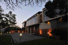 mathews and associates architects Basson, Green Belt, Pretoria, Nature Reserve, Residential Architecture, Open Up, South Africa, Architects, Mansions
