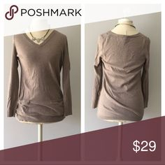 GAP • Knit Sweater Front Pockets S Beige Tan cream V neck sweater. Soft knit. Size S. GAP Sweaters V-Necks