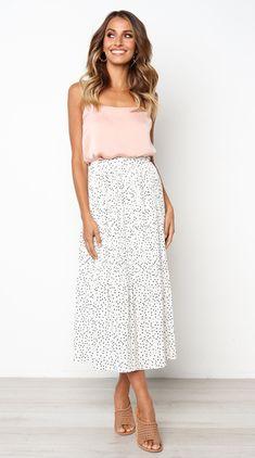 White Polka Dot Maxi Skirt – Jassie Line Maxi Skirt Outfits, Dress Skirt, Dress Up, Modest Outfits, Girl Outfits, Modest Fashion, Fashion Outfits, Apostolic Fashion, Women's Fashion