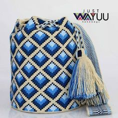 Tapestry Bag, Tapestry Crochet, Crochet Shell Stitch, Filet Crochet, How To Make Handbags, Purses And Handbags, Crochet Purses, Cute Crochet, Crochet Patterns