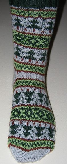 Ravelry: Forest for the Trees: The Socks pattern by Deborah Tomasello