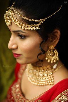 Indian wedding maang tikka for bride Lehenga Wedding, Lehenga Saree, Wedding Preparation, Mehendi, Wedding Jewelry, Real Weddings, Indian, Bride, Wedding Dresses