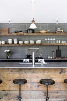 Amazing Industrial Kitchen for Your Home. There are some materials that are often used in the interior design of industrial-style kitchen, such as, concrete steel pallets, stainless steel plat. Industrial Decor Kitchen, Industrial Kitchen Design, Kitchen Design, Rustic House, House Design, Hamptons House, Industrial House, Home Decor, Kitchen Styling