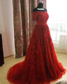 Short Sleeves Sweep Train Prom Dresses,Burgundy Prom Dresses,Lace Appliques Formal Dresses,Shinning Prom Dresses for Engagement