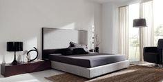 Dormitorio con cabecero en gris y mesillas negras Bed, Room, Furniture, Home Decor, Black Table, Headboards, House Decorations, Yurts, Mesas