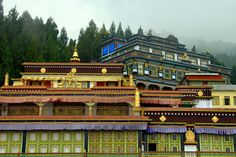 India - Architecture and Nature Gangtok, India Architecture, Indian Temple, Tourist Places, Bhutan, Incredible India, The Incredibles, Mansions, Country