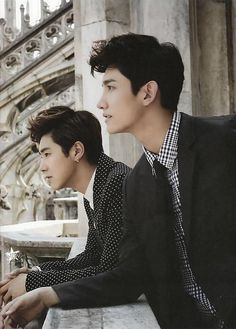 tvxq yunho changmin on TI AMO photobook :) *-* They're so hadsome