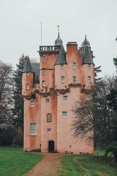 Abandoned Castles, Abandoned Mansions, Abandoned Houses, Abandoned Places, Castle Fraser, Uk Bucket List, Scottish Castles, Scotland Castles, Abandoned Homes
