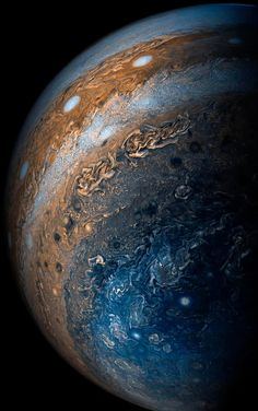 Jupiter's clouds taken by the Juno spacecraft. One of my absolute favorite space photos, gives me chills every time I look at it. Cosmos, Jupiter Wallpaper, Planet Pictures, Nasa Pictures, Star Pictures, Juno Spacecraft, Nasa Images, Planetary Science, Space And Astronomy