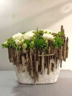 Designed by Koldo Esparza using wild cinnamon sticks. Designed by Koldo Esparza using wild cinnamon sticks. Deco Floral, Arte Floral, Floral Design, Ikebana, Love Flowers, Beautiful Flowers, Fresh Flowers, Flower Decorations, Christmas Decorations