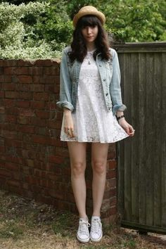 White converse, light denim jacket, lace dress. [Pinterest: @YelaGarcia]